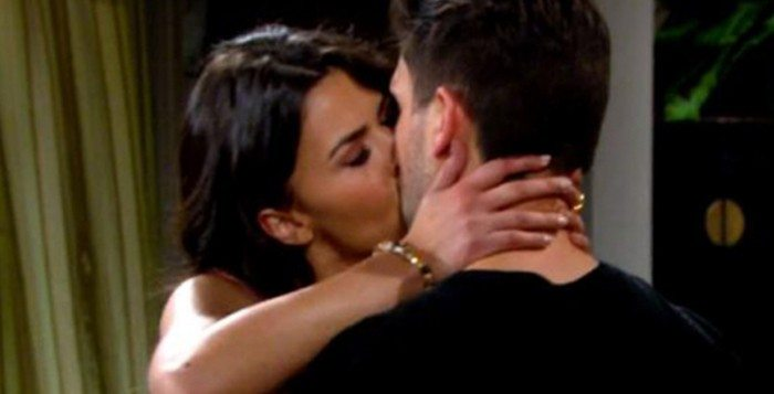 Sofia Pernas, Robert Adamson on The Young and the Restless